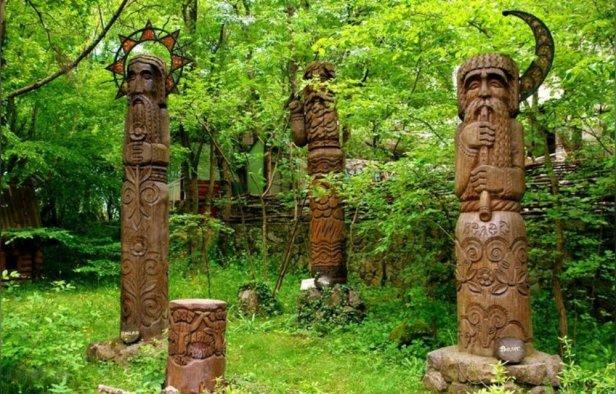 Slavic totem poles