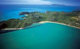 Magnetic Islands, Indian Ocean