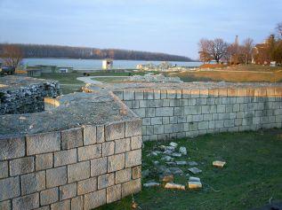 1024px-Durostorum-walls