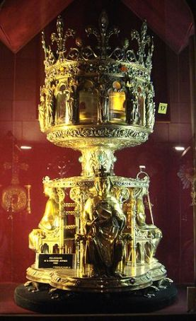 Crown of Thorns relic, sold by Baldwin II to France