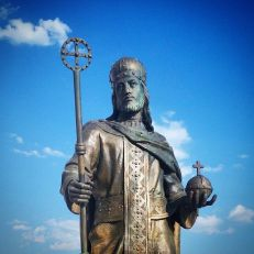 Statue of Dušan in Skopje