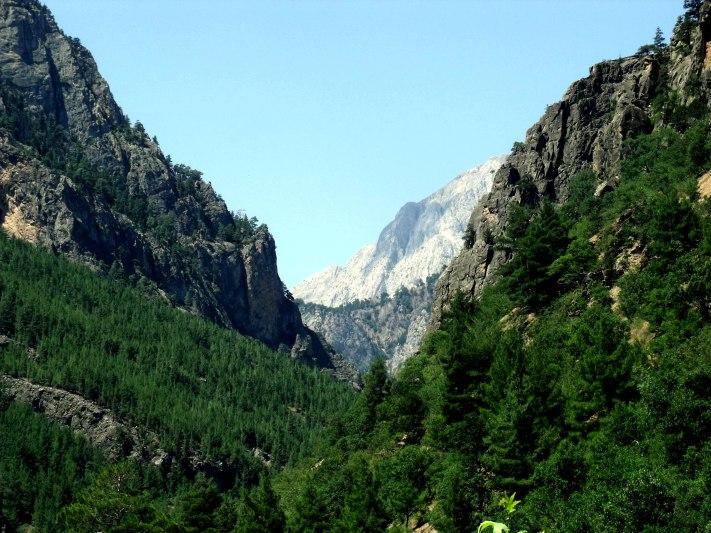 Anti-Taurus_Mountains_-_panoramio