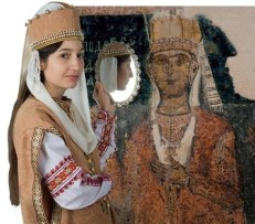 Fashion based on Bulgarian art