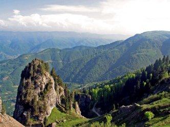 Pontic Mountains, northern border of the Koloneia Theme