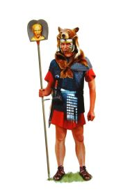 Imagnifer officer carrying the emperor's image