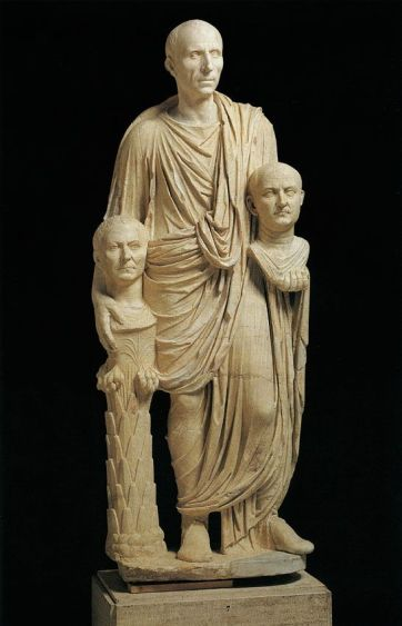 Statue of a Roman patrician and his ancestors' busts