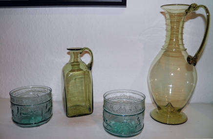 Roman blown colored glass from Syria