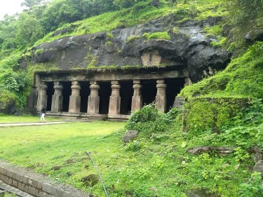 Elephanta Cave, India, built in the 6th century